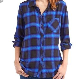 Gap plaid black and blue soft wash button down